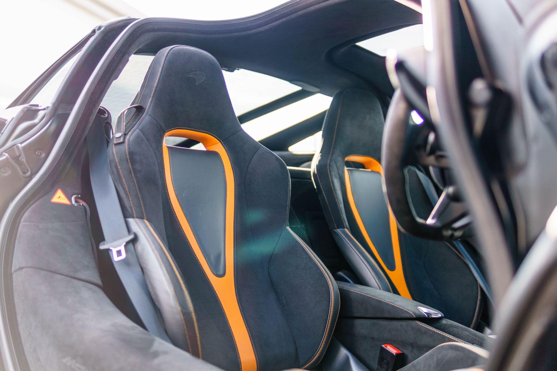 McLaren 720S V8 2dr SSG PERFORMANCE image 34